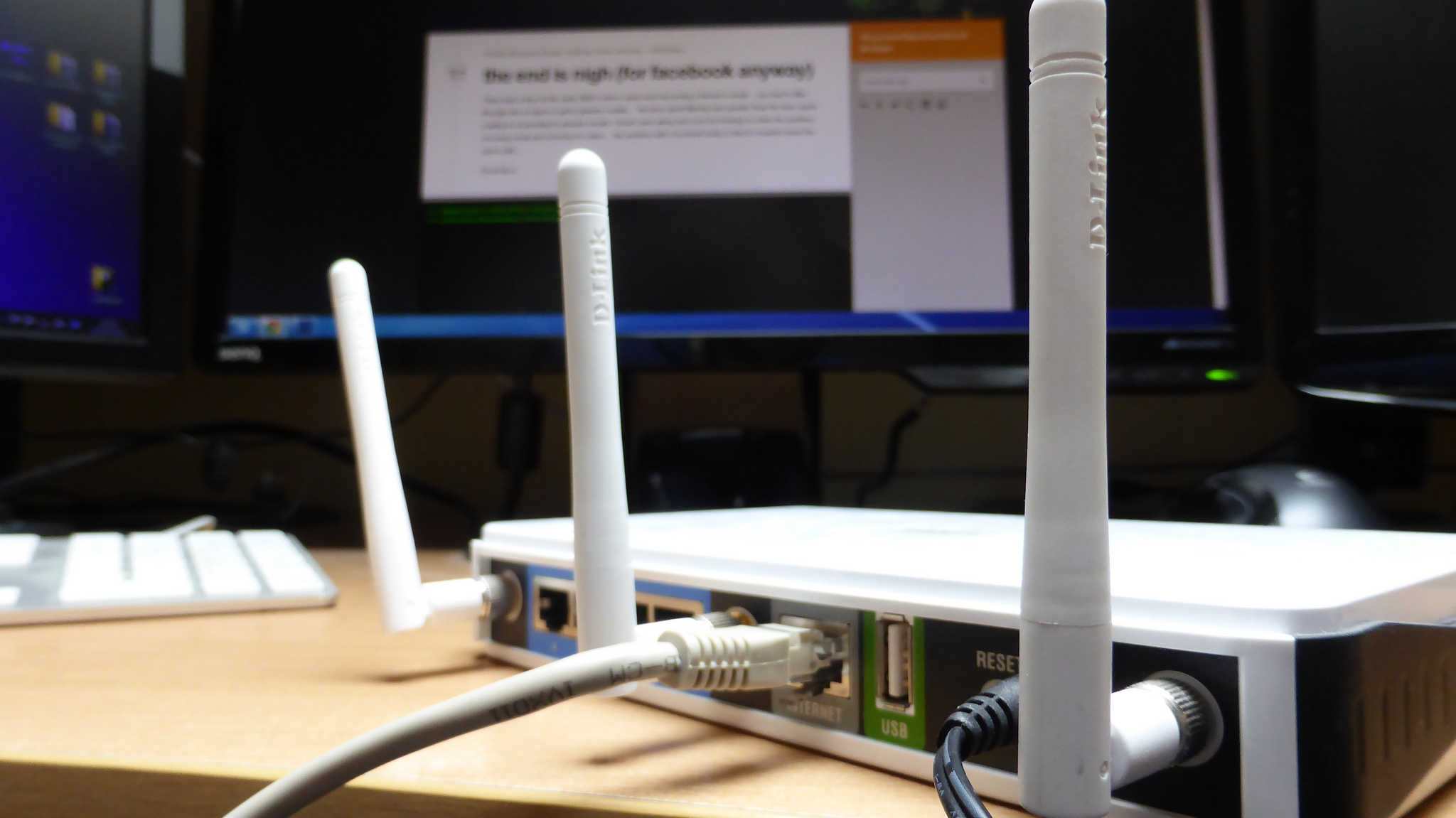 Securing your wireless router and WiFi network | Comparitech