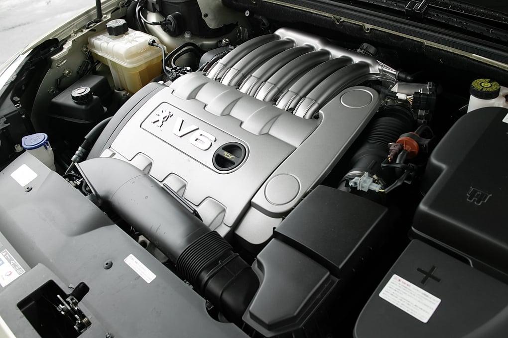 Peugeot 407 IPV6 engine