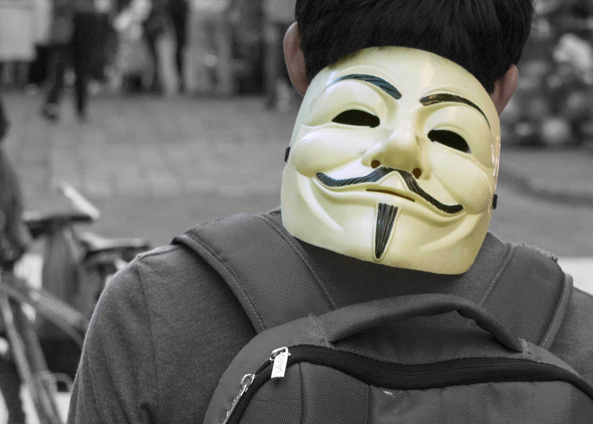 How to remain completely anonymous and hidden online | Comparitech