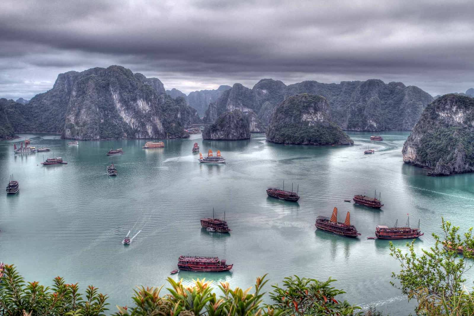 Best VPNs for Vietnam to access blocked sites + services